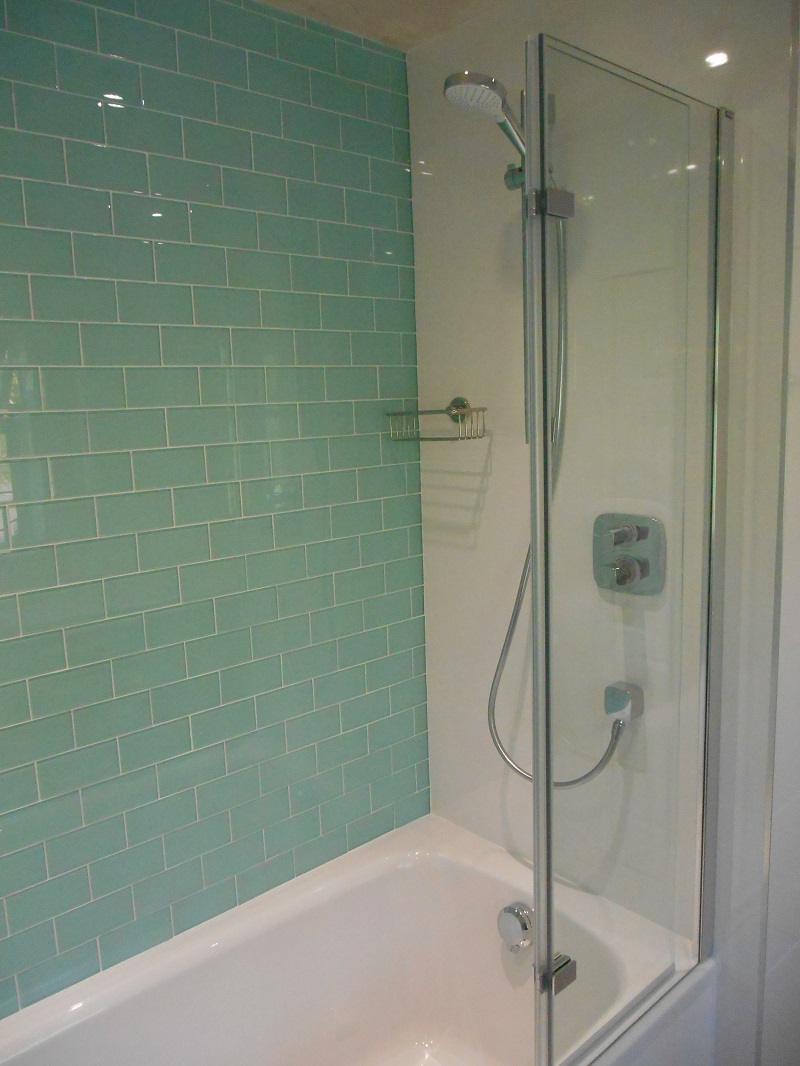 Glass Feature Tiles Bathroom